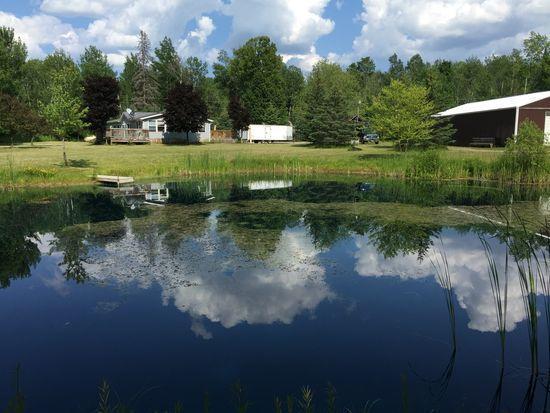 Pond (photo 1)