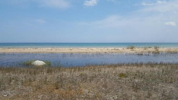 Lake Huron (photo 3)