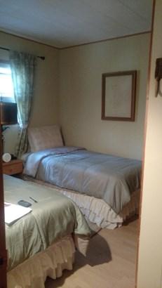 Bedroom (photo 3)