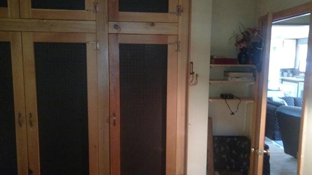Closet (photo 4)