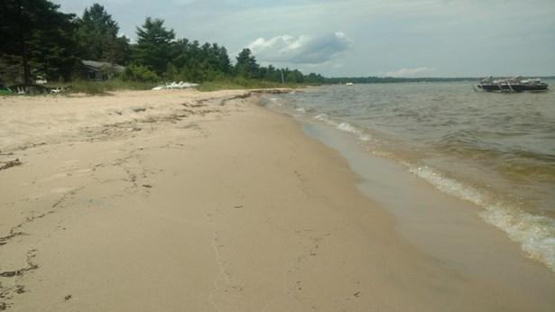 Sandy Beach (photo 3)