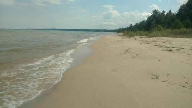 Sandy Beach (photo 4)