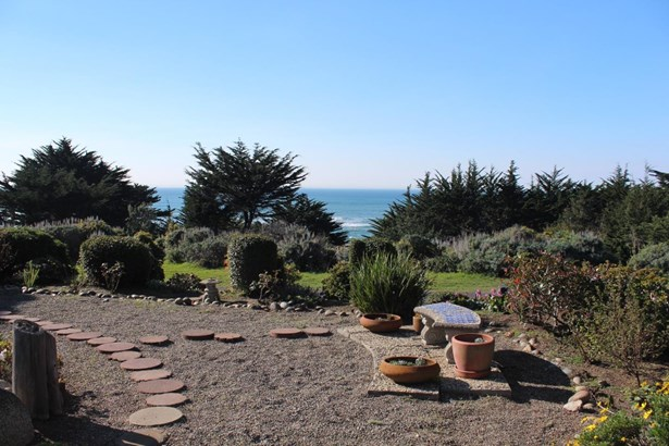 2021 Carlos Street, Moss Beach, CA - USA (photo 1)