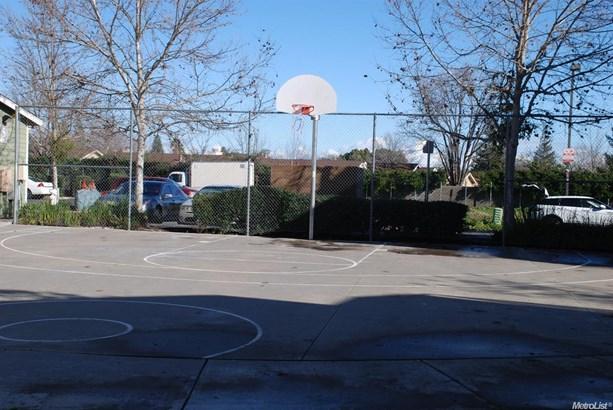 7716 Mimosa Way, Sacramento, CA - USA (photo 4)