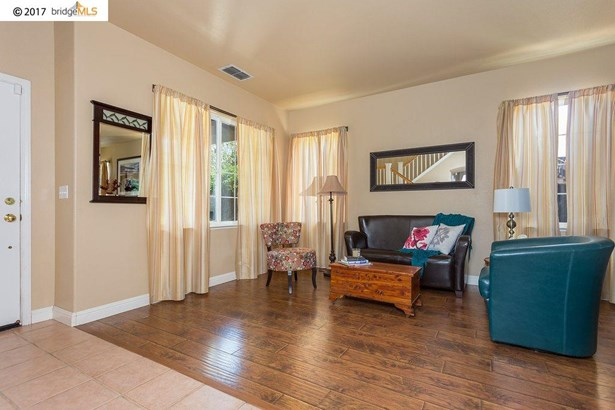 1047 Meadowgate Way, Brentwood, CA - USA (photo 5)