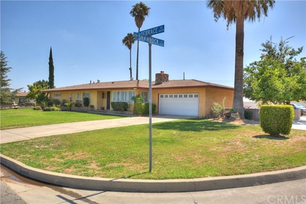 1040 Terrace Road, San Bernardino, CA - USA (photo 2)