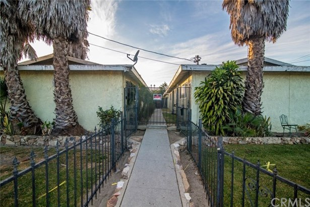 1421 S Willowbrook Avenue, Compton, CA - USA (photo 3)