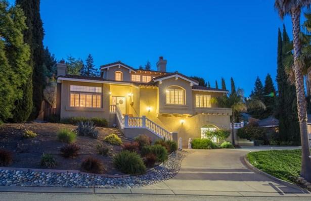 1465 Welburn Avenue, Gilroy, CA - USA (photo 1)