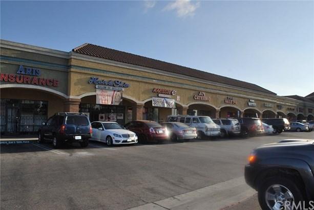 7922 Rosecrans Avenue, Paramount, CA - USA (photo 5)
