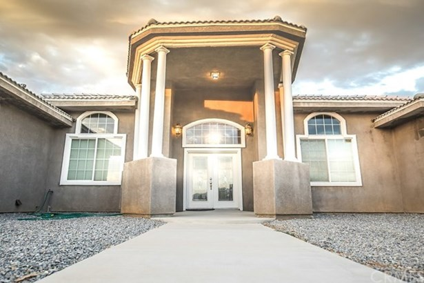 8877 Cactus Drive, Oak Hills, CA - USA (photo 2)