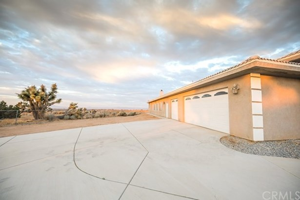 8877 Cactus Drive, Oak Hills, CA - USA (photo 4)