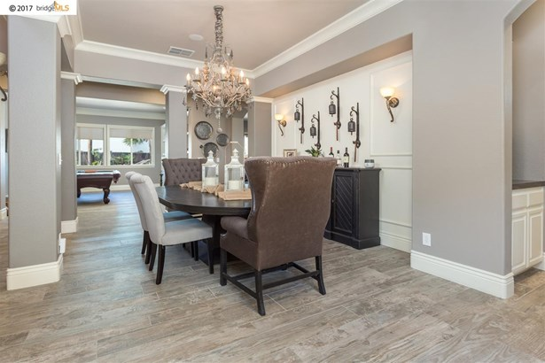 2045 Sage Sparrow St, Brentwood, CA - USA (photo 3)