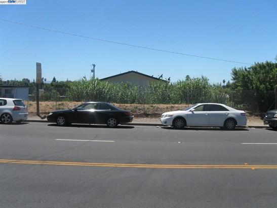9999 Liberty St, San Leandro, CA - USA (photo 3)