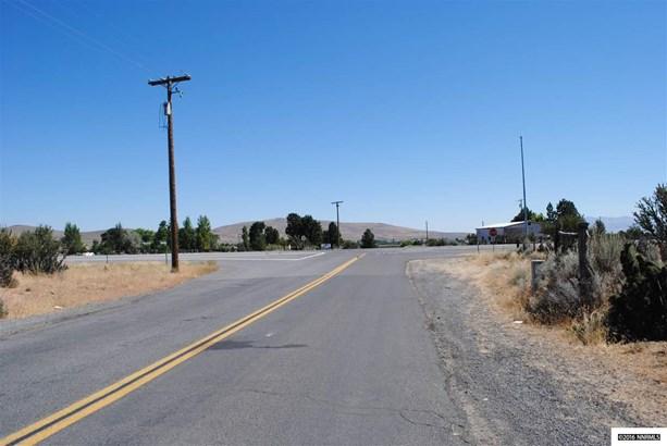 711-711 Sears Road, Janesville, CA - USA (photo 2)