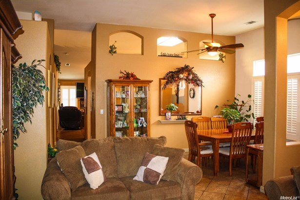 2070 Kimball Hill Court, Stockton, CA - USA (photo 5)
