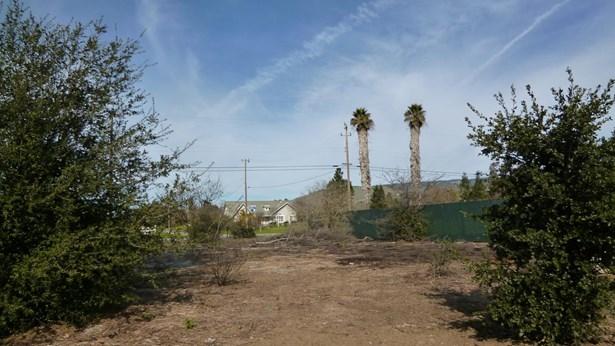 2570 Dryden Avenue, Gilroy, CA - USA (photo 3)