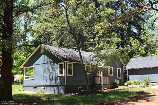 10621 Oak Street, Grass Valley, CA - USA (photo 2)