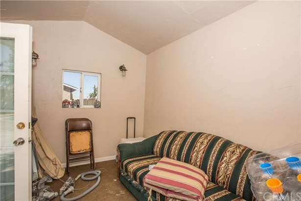 16221 Green Hill Drive, Victorville, CA - USA (photo 2)