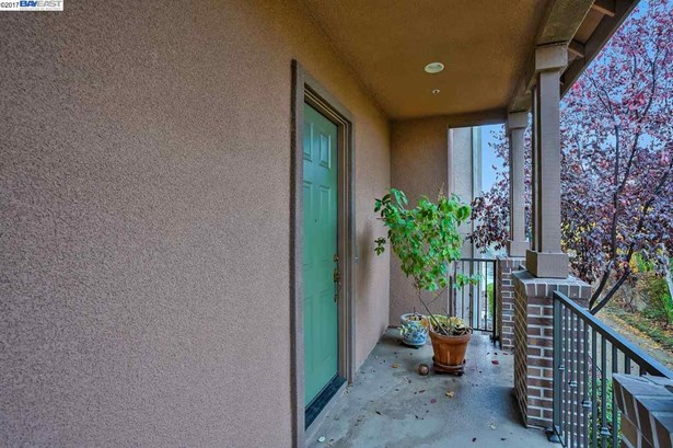 1038 Moonstone Ter, Union City, CA - USA (photo 3)