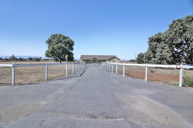 6782 Fairview Road, Hollister, CA - USA (photo 2)