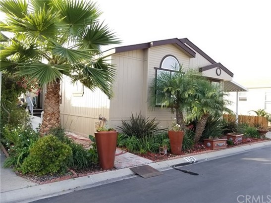 8200 Bolsa Ave 139, Midway City, CA - USA (photo 2)