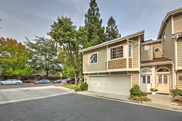 20679 Gardenside Circle, Cupertino, CA - USA (photo 2)