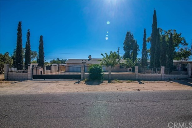 16361 Live Oak Street, Hesperia, CA - USA (photo 1)