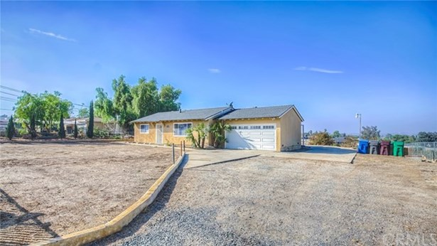 18131 Wood Road, Perris, CA - USA (photo 1)