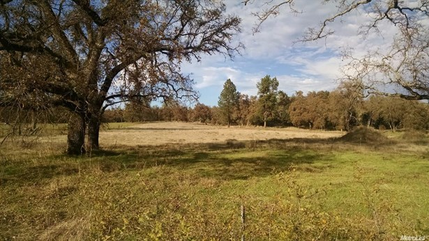 17520 Cattle Drive, Penn Valley, CA - USA (photo 2)