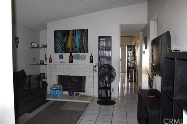 1236 S Beechwood Avenue, Bloomington, CA - USA (photo 4)