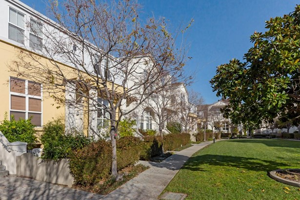 154 Montelena Court, Mountain View, CA - USA (photo 3)