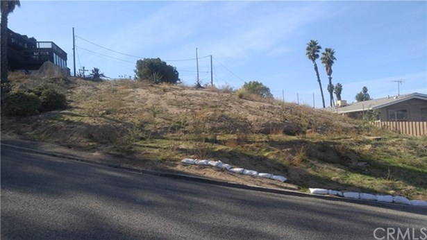 20228 W Point Dr, Riverside, CA - USA (photo 2)