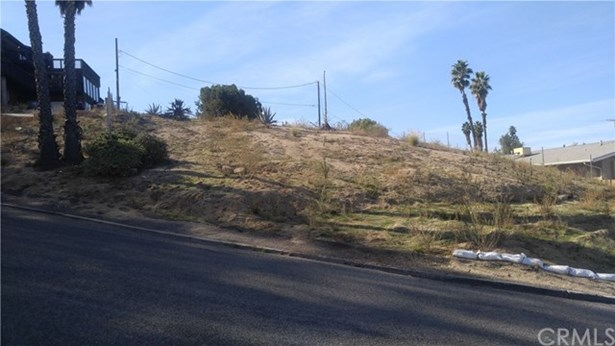 20228 W Point Dr, Riverside, CA - USA (photo 4)