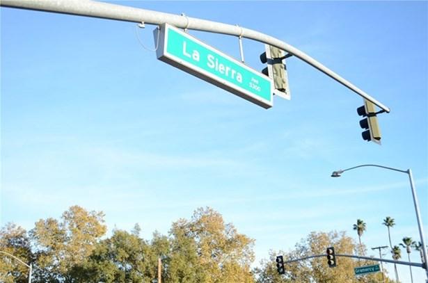 11120 Gramercy Place, Riverside, CA - USA (photo 2)