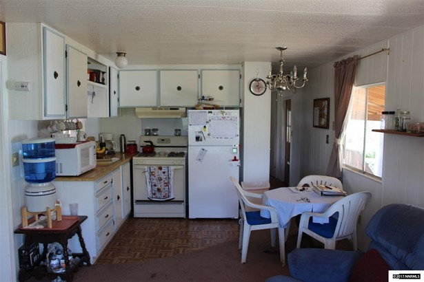 147 Shetler Drive, Coleville, CA - USA (photo 4)
