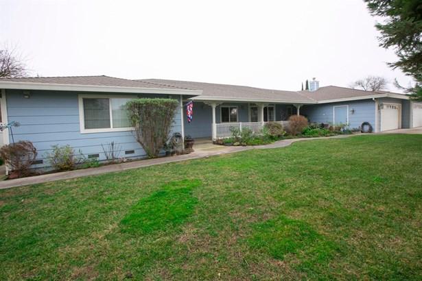 2130 Holcomb Avenue, Yuba City, CA - USA (photo 2)
