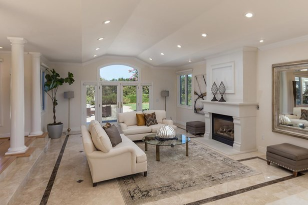 27915 Roble Blanco Court, Los Altos Hills, CA - USA (photo 4)