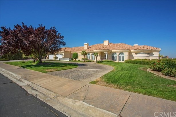 16340 Crown Valley Drive, Apple Valley, CA - USA (photo 1)
