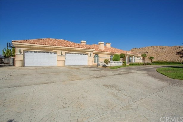 16340 Crown Valley Drive, Apple Valley, CA - USA (photo 3)