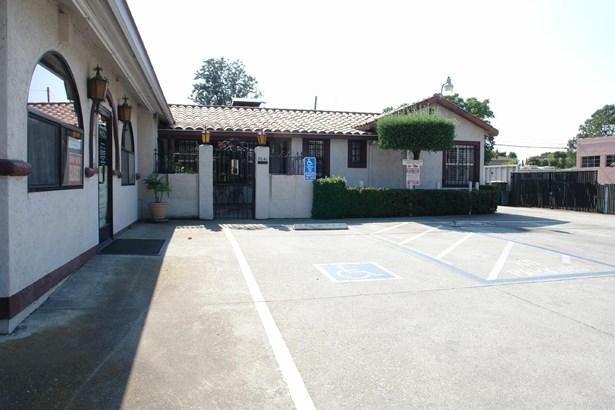 7041 Monterey Street, Gilroy, CA - USA (photo 4)