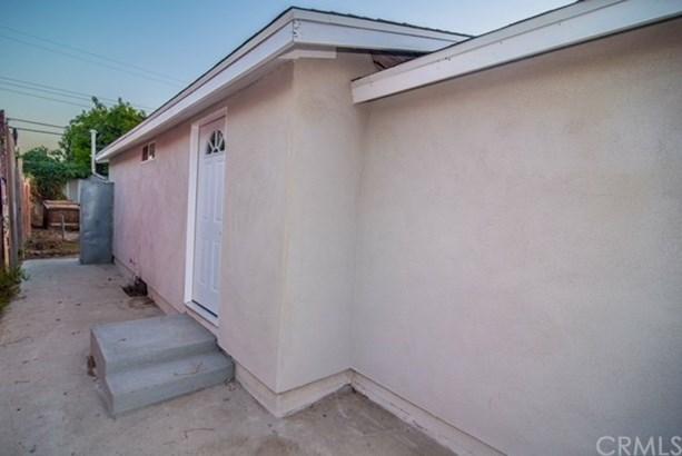 2074 E Hatchway Street, Compton, CA - USA (photo 1)