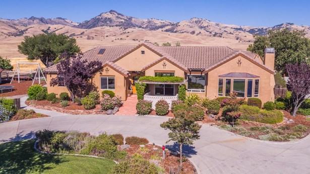 2200 Santa Ana Valley Road, Hollister, CA - USA (photo 1)