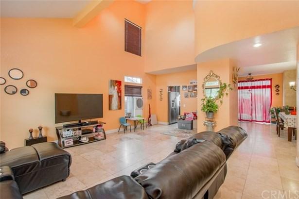 12541 Loma Verde Drive, Victorville, CA - USA (photo 5)