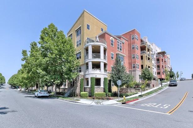 2988 Grassina Street 320, San Jose, CA - USA (photo 1)