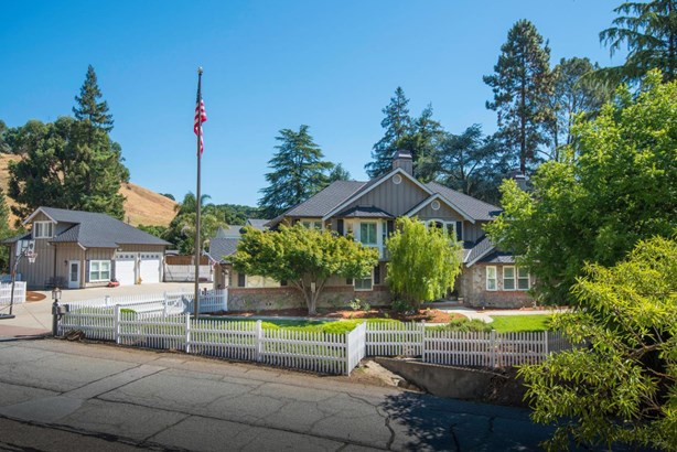 17830 Woodland Avenue, Morgan Hill, CA - USA (photo 2)