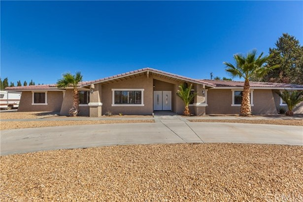 14661 Riverside Dr., Apple Valley, CA - USA (photo 2)