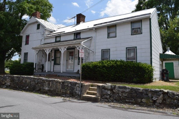 Single Family Residence, Colonial - GREENCASTLE, PA (photo 1)