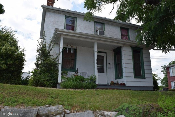 Single Family Residence, Colonial - GREENCASTLE, PA (photo 2)