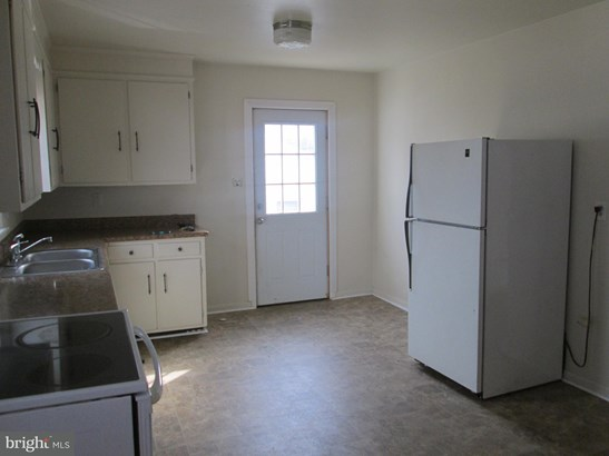 Cape Cod, Single Family Residence - WILLIAMSPORT, MD (photo 5)