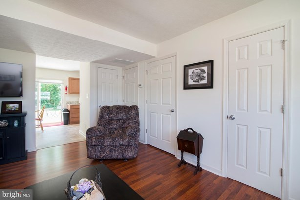 Row/Townhouse, Colonial - INWOOD, WV (photo 3)